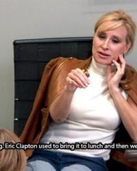 sonja-getting-a-pedicure-with-aviva-in-a-scene-from-rhony