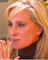 sonja-in-a-dinner-scene-during-real-housewives-of-new-york-season-5